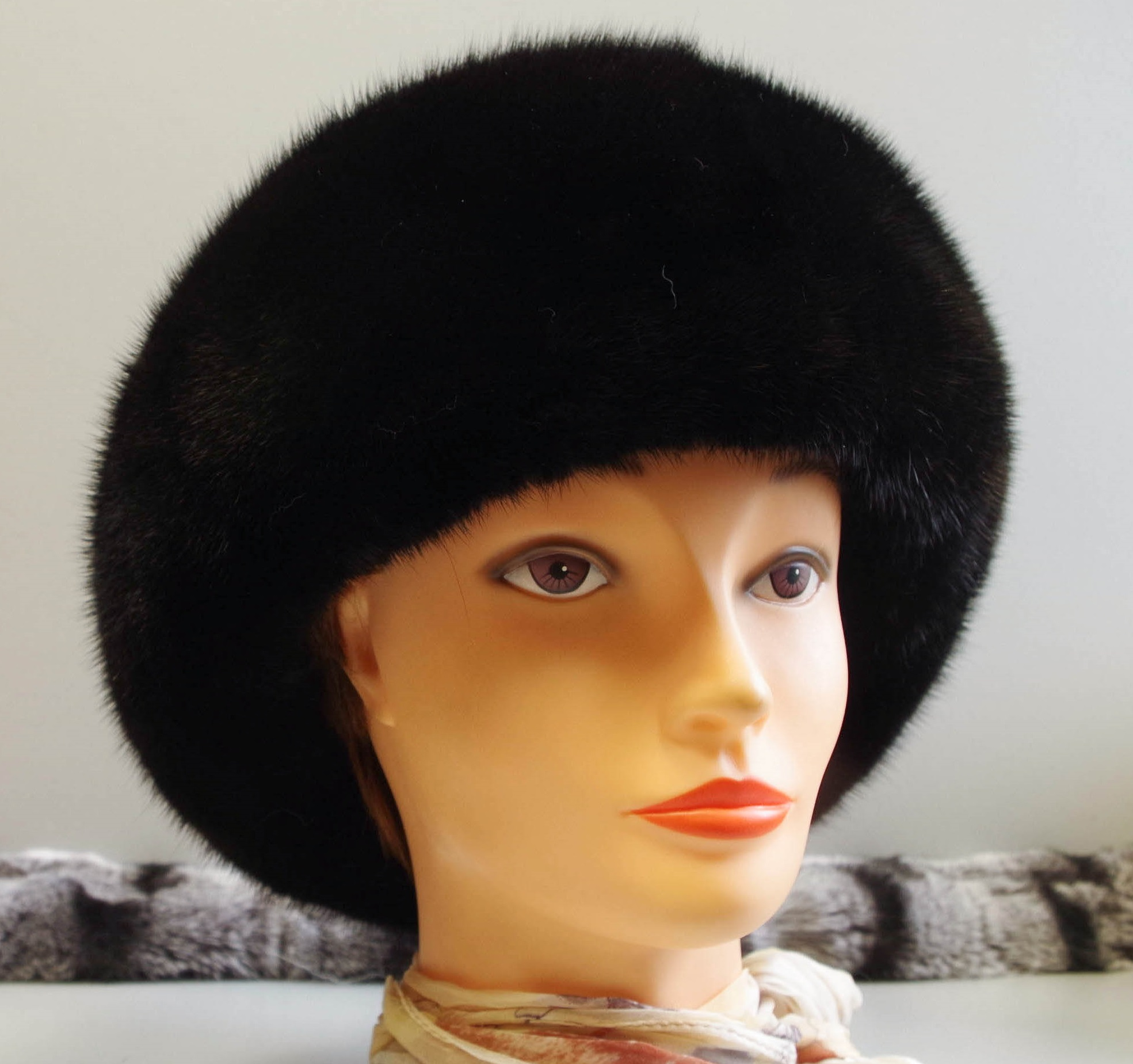kažokadu cepure no ūdeladas