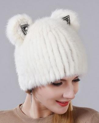 меховая шапка с ушками
