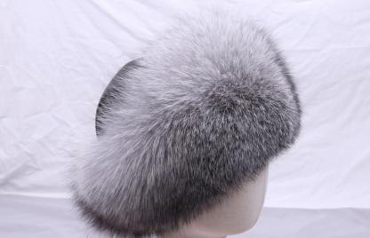 элегантная элегантная шапка